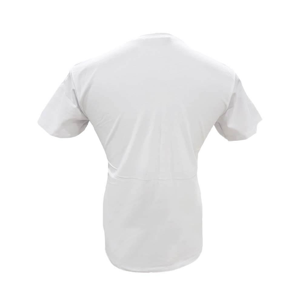 پشت تیشرت سفید